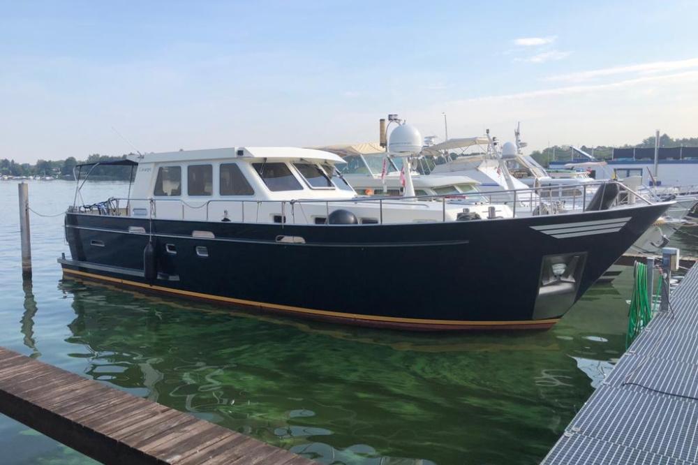 Custom Trawler OC