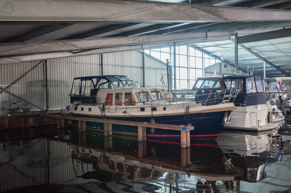 For rent, berth in ship house in Ossenzijl.