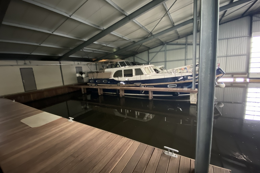 For rent, berth in ship house in Ossenzijl