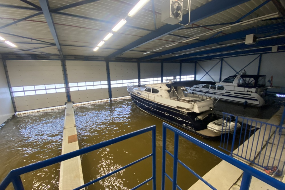 For sale or for rent, ship's house in one of Friesland's most famous water sports centres; Lemmer.