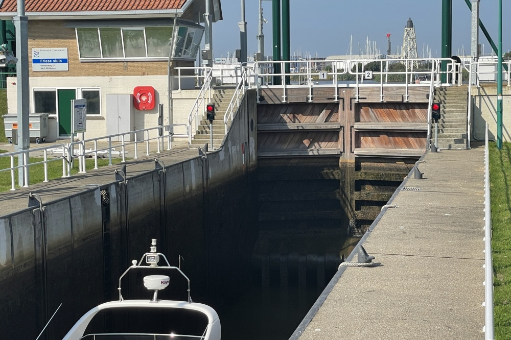 For sale or for rent (Cost for buyer), ship's house in one of Friesland's most famous water sports centres; Lemmer.
