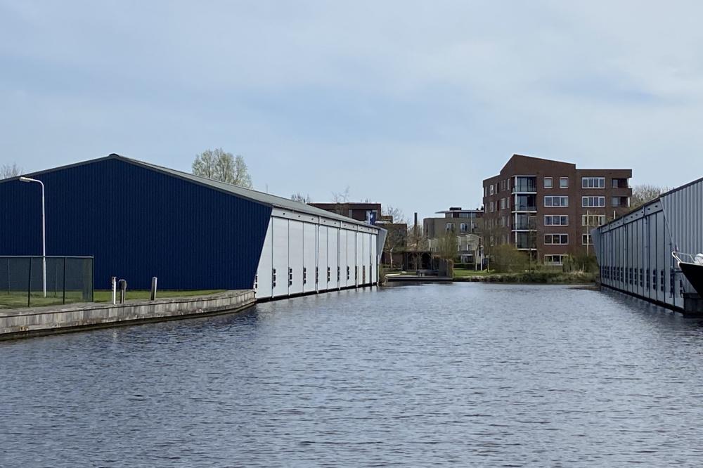 Groot schiphuis in centrum Sneek te koop (K.K.)